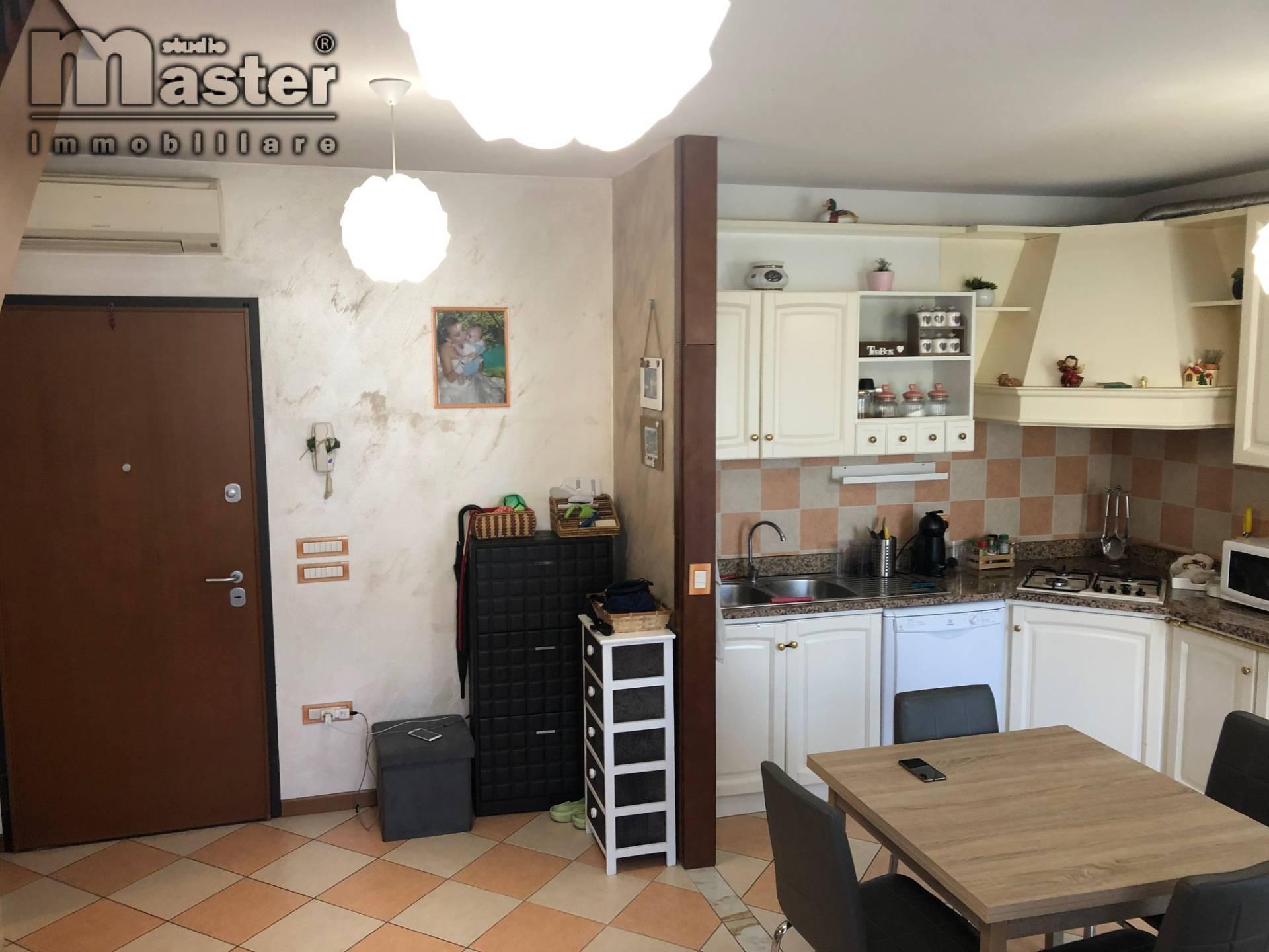 Appartamento in vendita a Istrana, 5 locali, prezzo € 138.000 | PortaleAgenzieImmobiliari.it