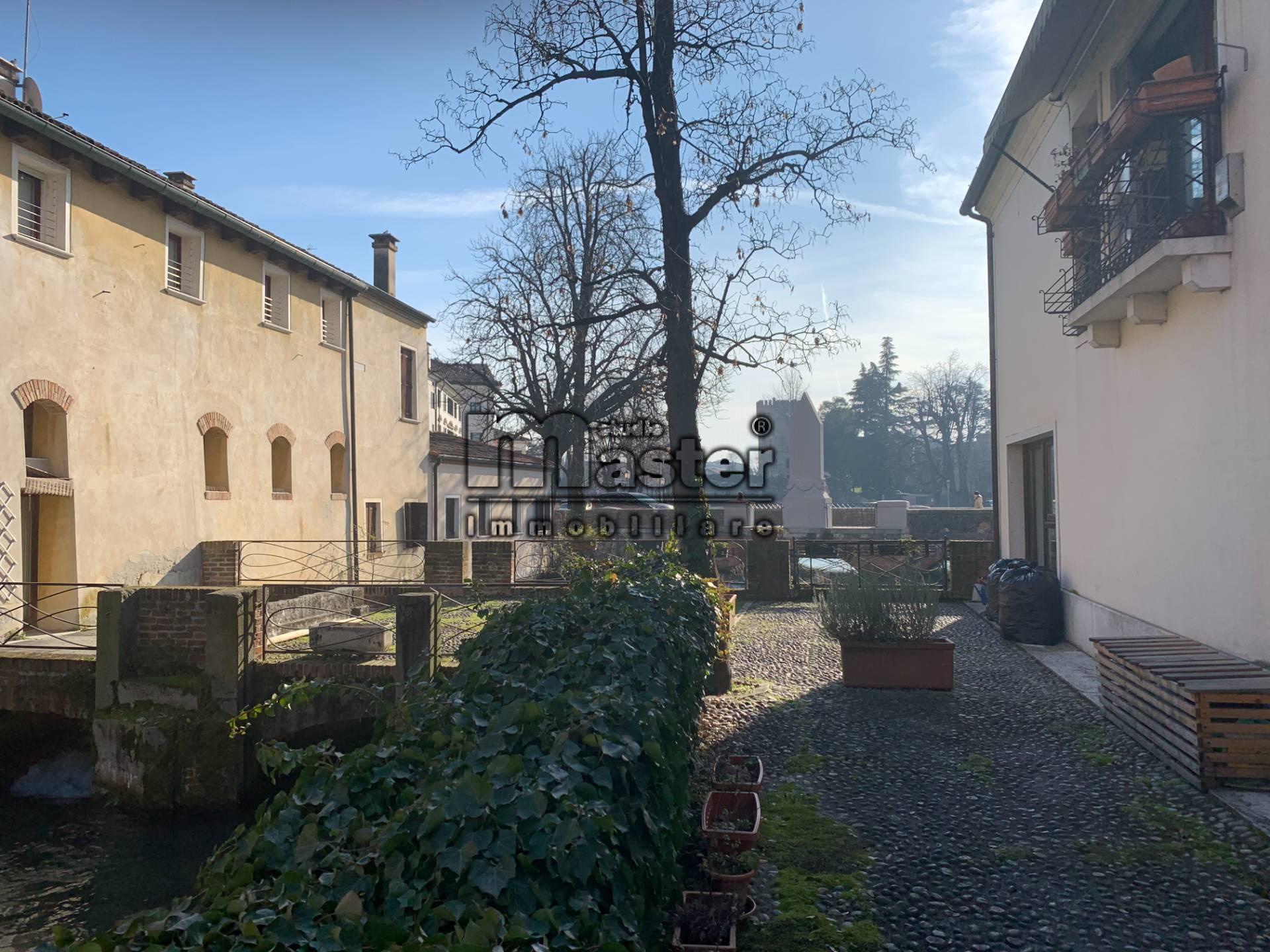 GARAGE/BOX/POSTO AUTO in Vendita a Centro storico, Treviso (TREVISO)