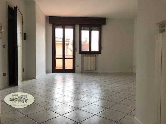 Foto 1 di Appartamento via Radici in Piano, Formigine