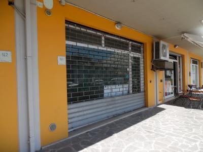 Vai alla scheda: Locale Commerciale Affitto Grottammare